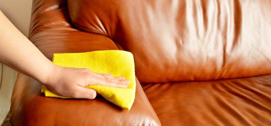 Чистим диван в домашних условиях народными средствами